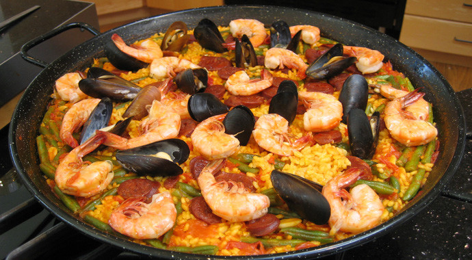 Making Paella de Marisco at Bon Vivant School of Cooking